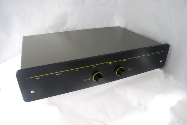 Dynavector L300 Preamplifier